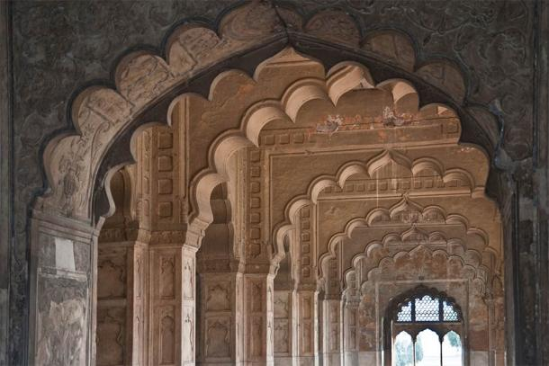 The intricate and beautiful interior of the Red Fort (Detlef / Adobe Stock)