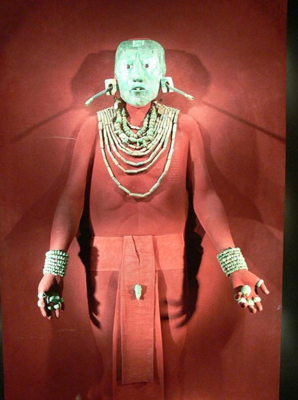 """The jade mask and ornaments found with King K'inich Janaab' Pakal, or """"Pakal the Great"""" at Palenque."""