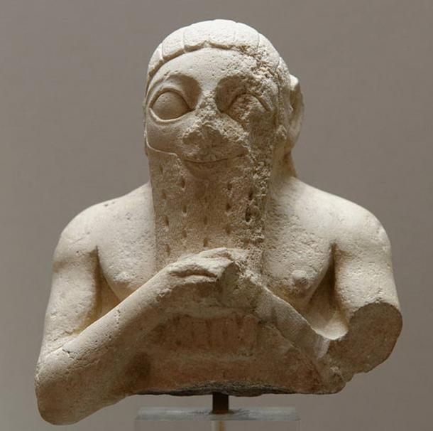 Male bust, perhaps Lugal-kisal-si, king of Uruk. Limestone, Early Dynastic III. From Adab (Bismaya).