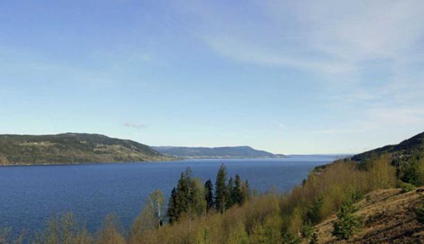 Lake Mjøsa seen northwards from Minnesund, Eidsvoll. (Public Domain)