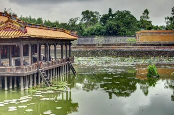 The lake in the gardens of Tu Duc's tomb (mehdi / Adobe Stock)