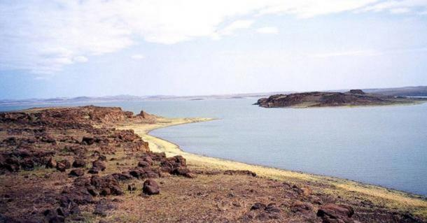 he landscape of fossil-rich Lake Turkana, Kenya.