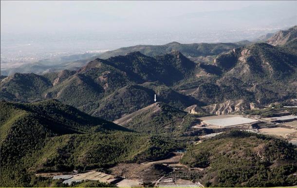 Location of the site of El Argar's La Bastida between the mountain ranges of Espuña and La Tercia in Spain. (ASOME, UAB / PLOSONE)