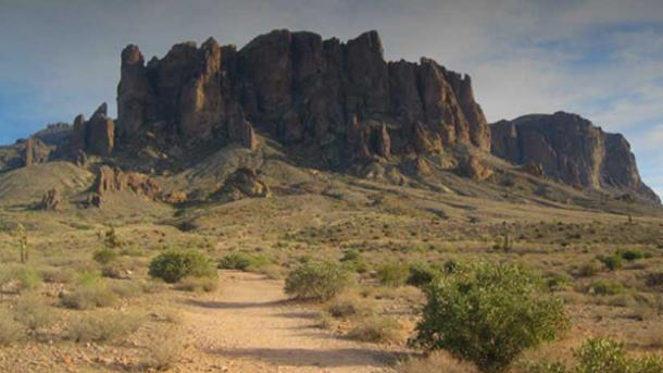 "Photograph  ""Lost Dutchman State Park, Arizona"" © Doulas Kerr Flickr"