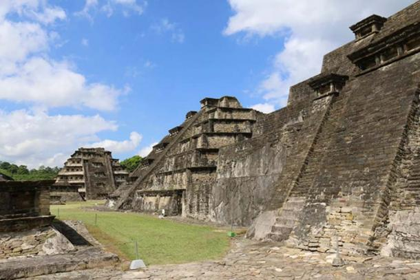 One of the main ceremonial avenues of El Tajin, flanked by pyramids. (Photo: ©Marco Vigato)