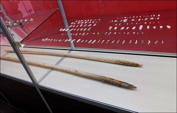 Reconstruction of Sungir man with mammoth tusk spear made by Roman Yevseev for Antropogenez.ru. A mammoth tusk spear with microliths found in Kostenki, via drive2.ru