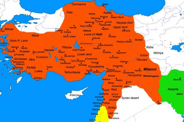 Map of the Hittite Empire at its greatest extent, Mersin and the Yumuktepe mound are located on the southern coast. (Javierfv1212 / Public Domain)