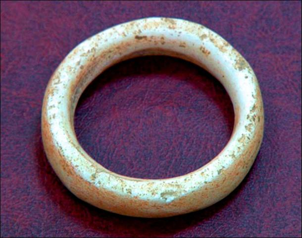 Marble ring found in the cave. Picture: Scientific Russia