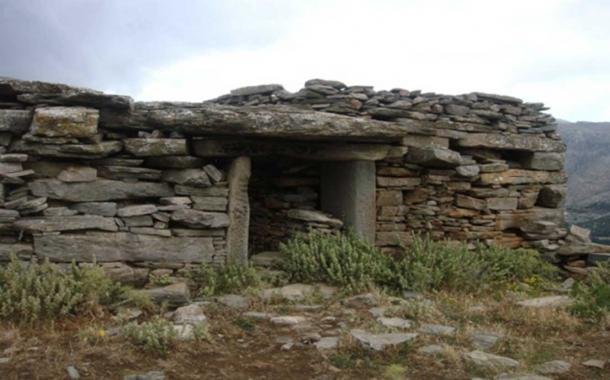 One of Greece's megalithic drakospita.