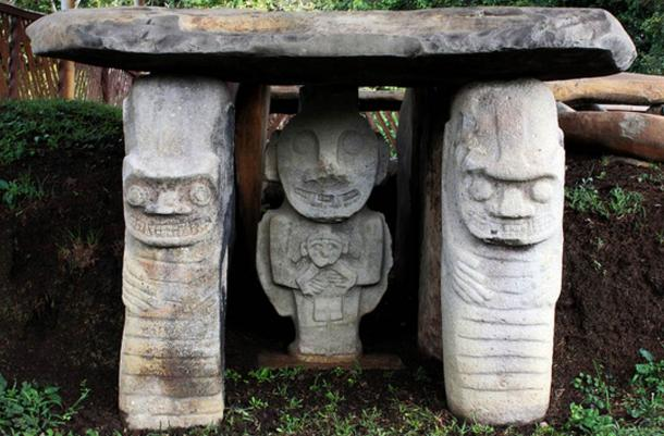 Colombia: In the world's largest necropolis in San Augustin Archaeological Park in Colombia, megalithic humanoid sculptures have carved hands on their navels.