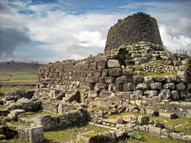 The megalithic structure of Santu Antine and ruins of the nearby Nuragic settlement.