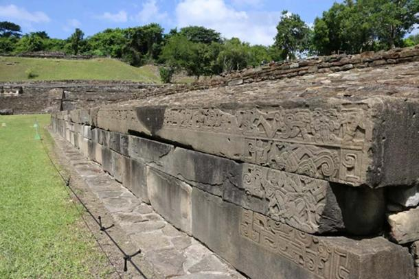 A megalithic wall of large sculptured ashlars in the Northern Ballcourt. The rightmost stone in the upper course measures over seven meters long. (Photo: ©Marco Vigato)