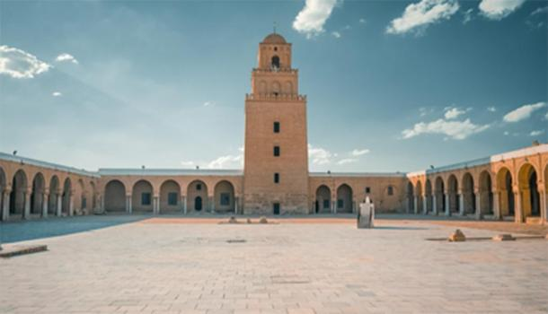 The minaret of the Great Mosque of Kairouan as shown from inside the courtyard. (Monaambf / CC BY-SA 4.0)
