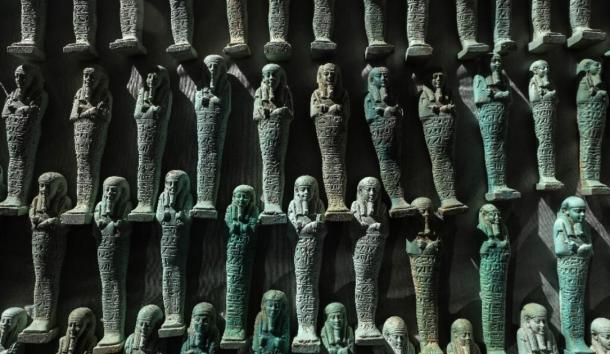The ministry found 10,000 blue and green ushabti in the tombs. (Egyptian Antiquities Ministry)