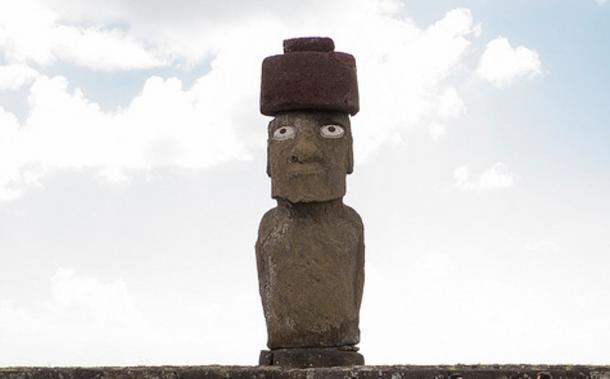 A moai statue on Easter Island wearing a Pukao