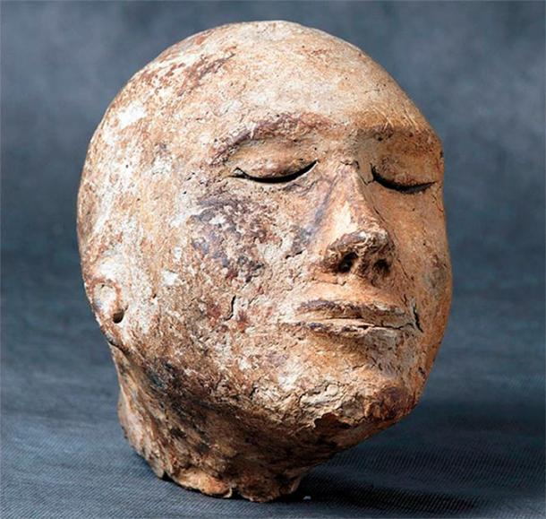 The model of a human head, supposed a death mask, was filled with sheep's bone. ((Image: Mikhail Vlasenko)