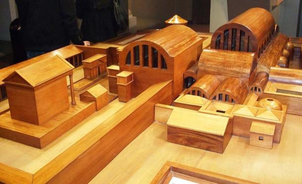 Model of Roman spa and temple complex. (Rodw / Public Domain)