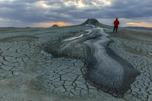 Mud volcanoes in Gobustan at sunset (alexmu/Adobe Stock)