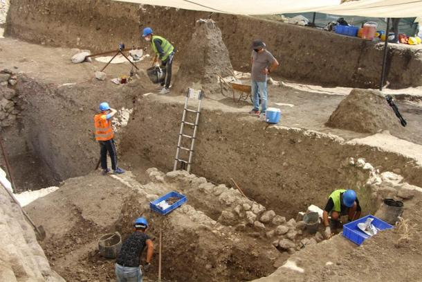 The multi-level ancient Lydian kitchen dig site located on the ancient acropolis of the Daskyleion City, located on the shore of Lake Manyas in Western Turkey. (Anadolu Agency)