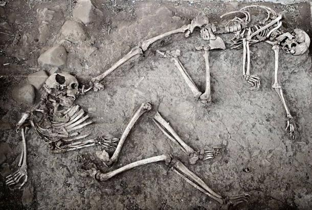 Archaeologists can find traces of war in ancient skeletons by examining their injuries. The above picture shows two skeletons recovered from the archaeological site of Hadyakh, ancient Neyshapour, populated 9th-14th century AD. The brutal and terrible end of this village can be seen through the multiples skeletons found, all having multiple trauma and crushing lesions.