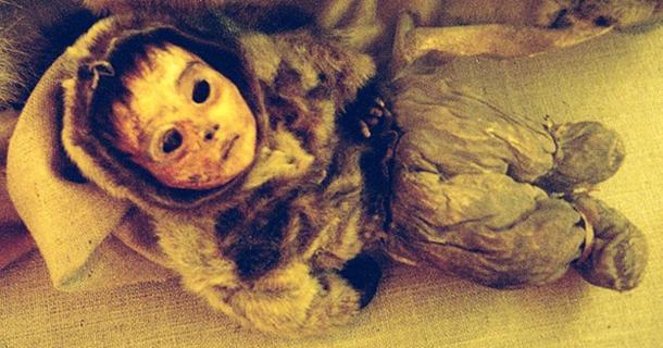 The mummified baby of Qilakitsoq. (Public Domain)