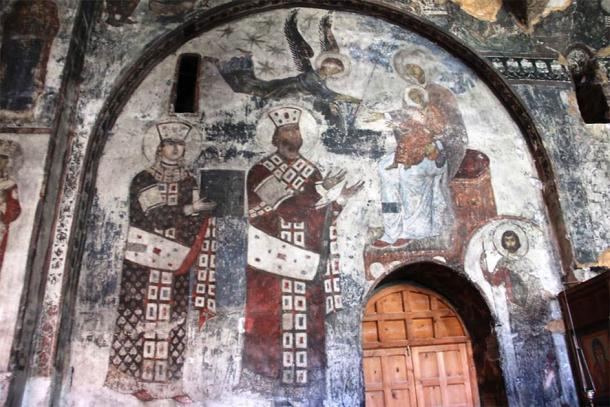One of the many murals found inside the Vardzia, with Queen Tamar on the left (CC BY-NC 2.0)
