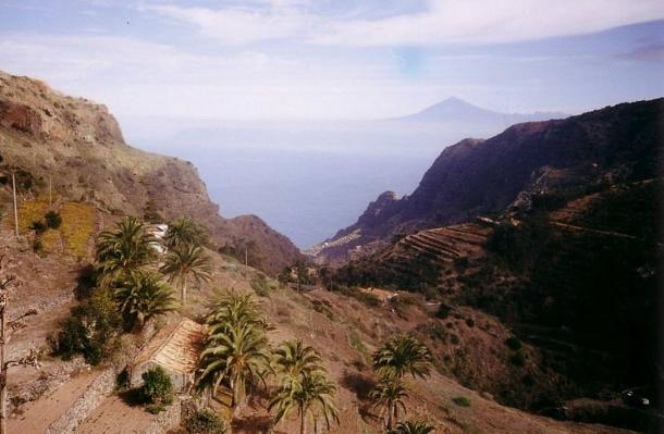 The narrow valleys of La Gomera.