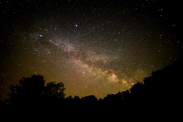 A beautiful view of the night sky.