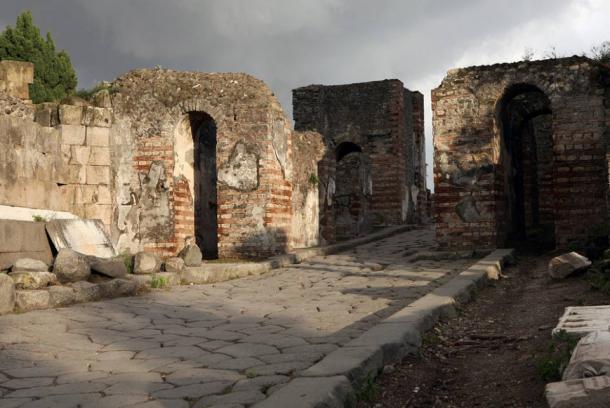 View of the northwest gate of Pompeii, the Porta Ercolano, leading to Herculaneum