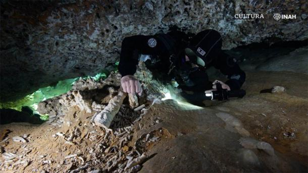 La mina ocre más antigua de América descubierta en Quintana Roo. (Imagen: Sam Meacham, CINDAQ. A.C. SAS-INAH /INAH)