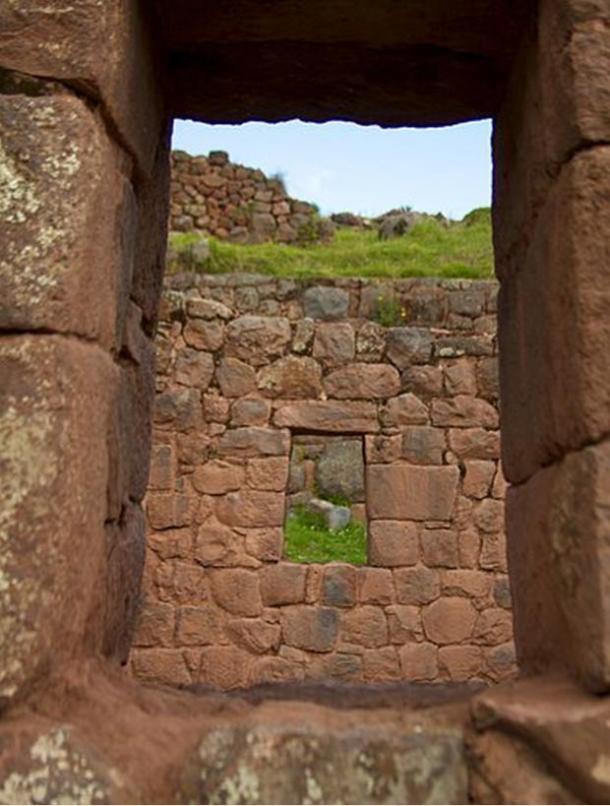 An old Inca house at Tipón