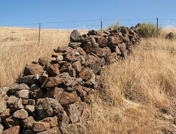One of many old stone walls found around the southern and eastern San Francisco Bay in California.