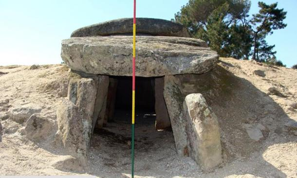 The orientation of the tombs suggests that they are aligned to offer a view of Aldebaran, the brightest star in the constellation of Taurus.