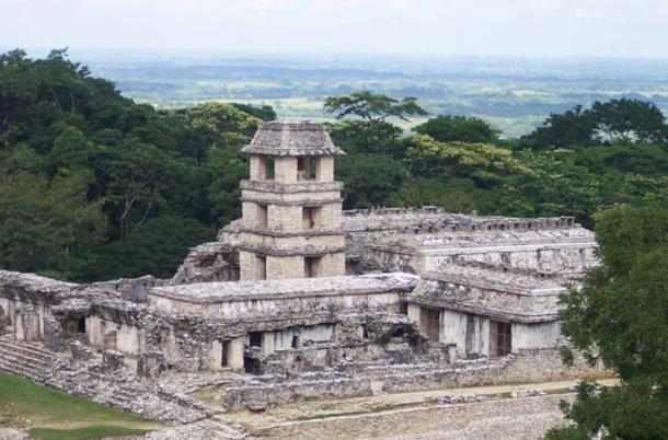 The palace and watchtower at Palenque