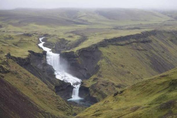 This is part of the Eldgjá fissure in southern Iceland. Credit: Clive Oppenheimer