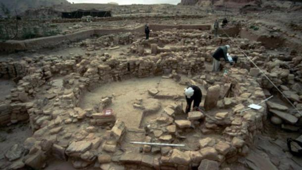 The people who lived in Shkārat Msaied 9,000 years ago built large round stone houses, inside which they buried their dead. Credit: Moritz Kinsel, Shkārat Msaied Neolithic Project, University of Copenhagen.