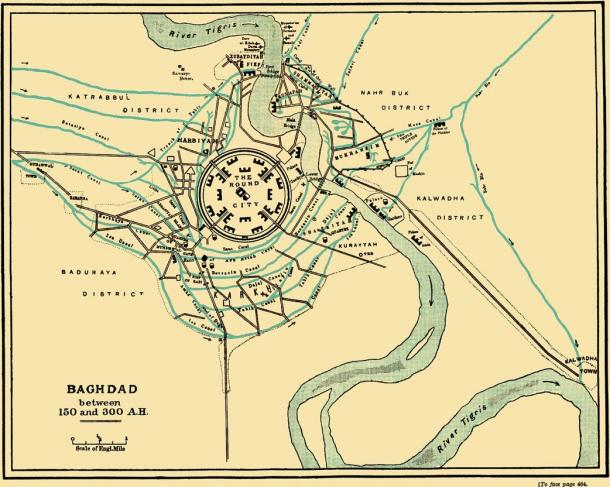 The plan for the round city included four straight roads that ran from the city's center to the four gates in the outer walls