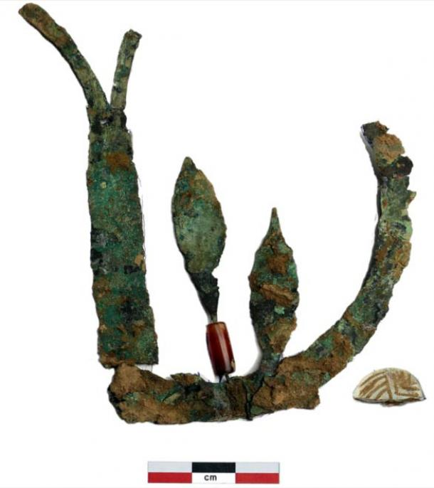 The remnants of a 4,000-year-old copper crown found on a skull from the late Indus Valley civilization period found at village of Chandayan