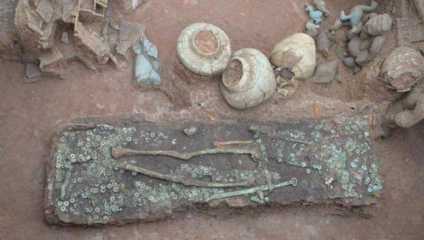 One of the rich burials found at the cliff site. (CGTN)