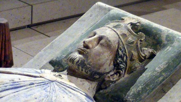 Effigy of Richard I of England in the church of Fontevraud Abbey.