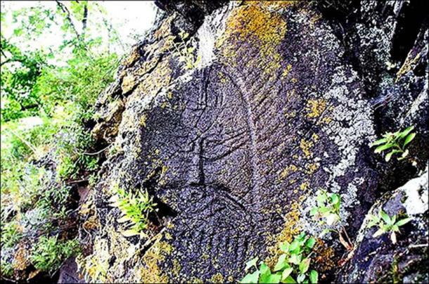 The petroglyphs were first reported by the local media in 1873.