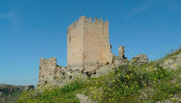 The ruins of the Castillo de Oreja, the castle on the 'official battlefield' which underwent a Moorish siege.