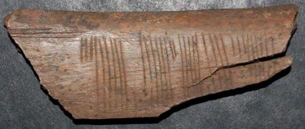 "The runic message reads ""kiss me"" in the Jötunvillur code."