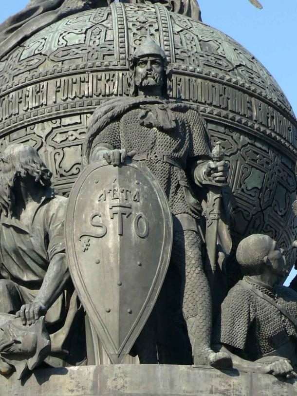 Rurik, founder of the Rurik dynasty, on the Millennium of Russia monument in Veliky Novgorod. (Дар Ветер / CC BY-SA 3.0)