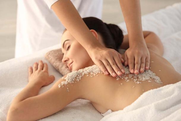 Ancient Greeks got sea salt and sea water massages. (Africa Studio / Adobe)