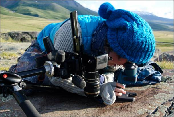 Joint Russian-French scientific team studying the Paleolithic rock art at Kalgutinsky Rudnik. (Hugues Plisson & Lidia Zotkina / Siberian Times)
