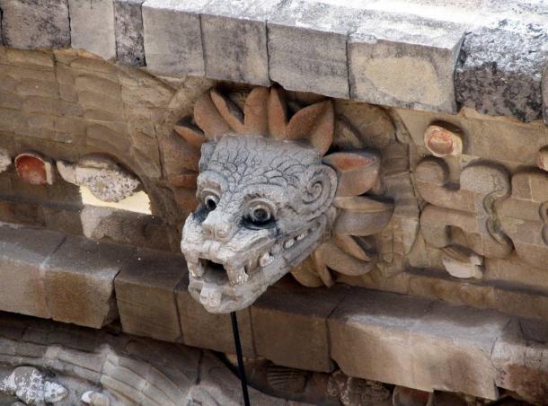 A bust of the plumed serpent god Quetzalcoatl from Teotihucana