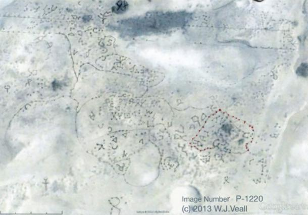 A second satellite photograph clearly showing another set of petroglyphs discovered along the Uruguay coastline.