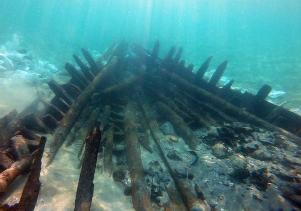Part of the Israeli shipwreck that dates to the 7th century AD. (A. Yurman)