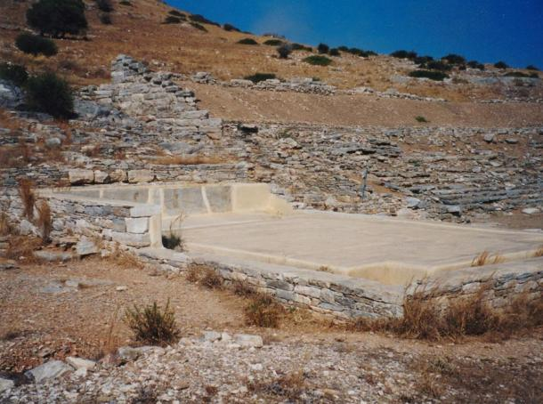 Remnants of the silver-processing facilities in Thorikos remain. In this facility, workers separated lead from silver.